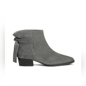 Aerosoles Crosswalk Grey Suede leather bootie sz 8